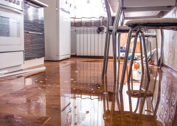 возмещение ущерба причиненного затоплением квартиры