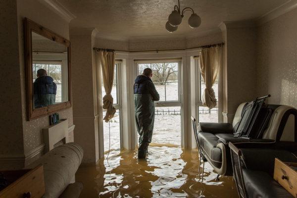 судебная практика при затоплении квартиры возмещение ущерба