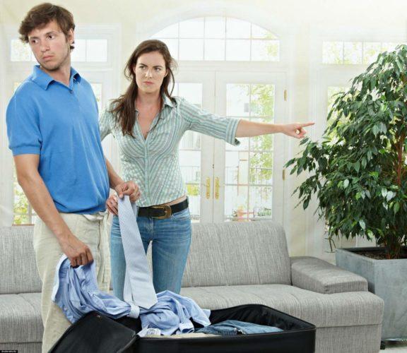 Как выселить человека из дома