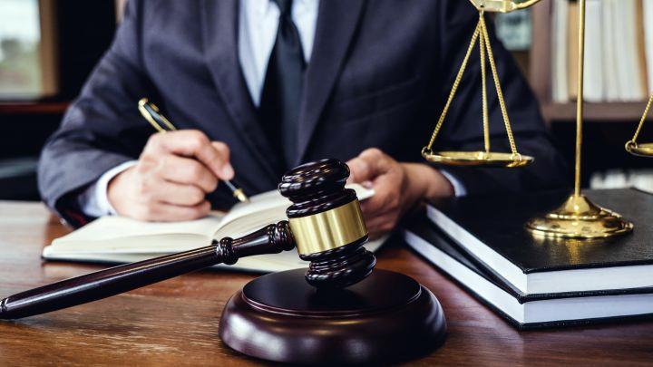 Чем занимается юрист по гражданским делам